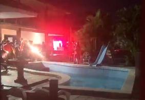 Criança de 2 anos é socorrida após se afogar em piscina de condomínio em João Pessoa