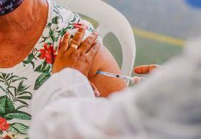 Vacinação contra Covid-19 continua para idosos com 62 anos ou mais, em João Pessoa