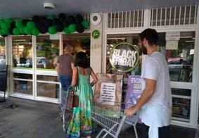 Vídeo: Paraibanos fazem fila em supermercado para aproveitar descontos da Black Friday